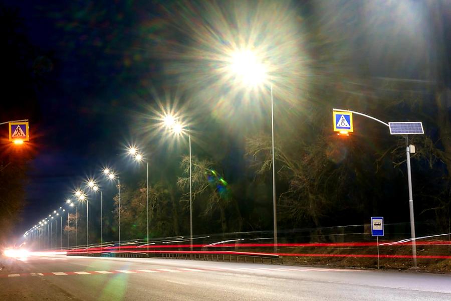 Будівництво мереж освітлення автомобільної дороги М-12 Стрий-Тернопіль-Кіровоград-Знам'янка